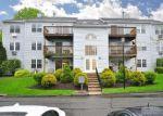 Foreclosed Home en ROCKLEDGE LOOP, Torrington, CT - 06790