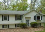 Foreclosed Home en KNOB HILL DR, Hamden, CT - 06518