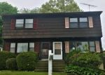 Foreclosed Home en SAUNDERS AVE, Bridgeport, CT - 06606
