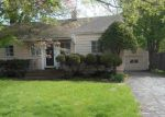 Foreclosed Home en CHESTER ST, Hamden, CT - 06514