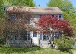 Foreclosed Home en IOWA ST, Torrington, CT - 06790