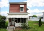 Foreclosed Home en MAPLE AVE, Lewistown, PA - 17044