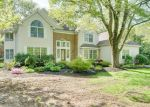 Foreclosed Home en ARBOR MEADOW DR, Prospect, CT - 06712