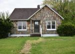 Foreclosed Home en REDWOOD DR, New Bloomfield, MO - 65063