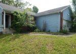 Foreclosed Home en HILLCREST CT, Saint Robert, MO - 65584