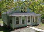 Foreclosed Home en STRAITS TPKE, Watertown, CT - 06795