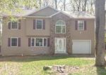 Foreclosed Home en MEADOWLARK DR, Tobyhanna, PA - 18466