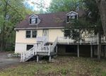 Foreclosed Home en LONG POND RD, Long Pond, PA - 18334