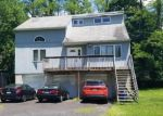 Foreclosed Home en PERIWINKLE AVE, Langhorne, PA - 19047