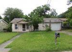 Foreclosed Home en COLFAX ST, San Antonio, TX - 78228