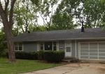 Foreclosed Home en N BALTIMORE AVE, Kansas City, MO - 64118