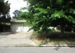 Foreclosed Home en N CLARK ST, Fresno, CA - 93710