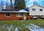 Foreclosed Home en FLORINE AVE, Waterford, MI - 48329