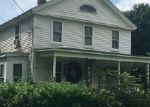Foreclosed Home en MAPLE ST, Ellington, CT - 06029