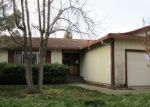 Foreclosed Home en MANHATTAN DR, Stockton, CA - 95210