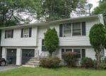 Foreclosed Home en BREWSTER DR, Middletown, NY - 10940