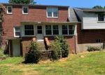 Foreclosed Home en VINEYARD AVE, Newington, CT - 06111