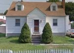 Foreclosed Home en SEVERANCE DR, Stamford, CT - 06905