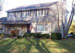 Foreclosed Home en DECORAH RD, West Bend, WI - 53095