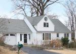 Foreclosed Home en RICHMOND HILL RD, Norwalk, CT - 06854