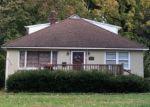 Foreclosed Home en GARDEN RD, Springfield, PA - 19064