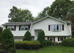 Foreclosed Home en INWOOD DR, Naugatuck, CT - 06770