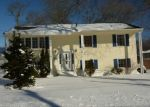 Foreclosed Home in GREEN RIVER AVE, Warwick, RI - 02889