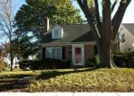 Foreclosed Home en N 77TH ST, Milwaukee, WI - 53222
