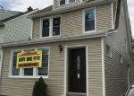 Foreclosed Home en MANGIN AVE, Saint Albans, NY - 11412