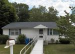 Foreclosed Home in HIGHWOOD AVE, Hamden, CT - 06514