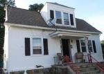Foreclosed Home en LUTHER ST, Bridgeport, CT - 06606