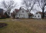 Foreclosed Home en N 82ND ST, Milwaukee, WI - 53222