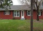 Foreclosed Home en VAN DYKE ST, Saint Paul, MN - 55110