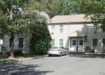 Foreclosed Home en OAKLAND AVE, Danbury, CT - 06810