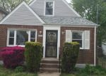 Foreclosed Home en 112TH RD, Queens Village, NY - 11429