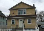 Foreclosed Home en ROCTON AVE, Bridgeport, CT - 06606