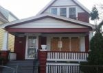 Foreclosed Home en W CLARKE ST, Milwaukee, WI - 53206