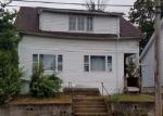 Foreclosed Home en SALEM ST, Bridgeport, CT - 06606