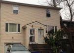 Foreclosed Home en RESERVOIR AVE, Bridgeport, CT - 06606