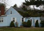 Foreclosed Home en SKIFF PKWY, North Haven, CT - 06473