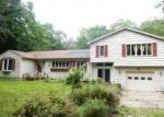 Foreclosed Home en CHESTERFIELD RD, East Lyme, CT - 06333