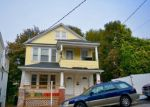 Foreclosed Home en VERMONT ST, Waterbury, CT - 06704