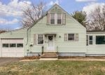 Foreclosed Home en DOUGLAS DR, Meriden, CT - 06451