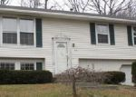 Foreclosed Home en VINCENT PL, Naugatuck, CT - 06770