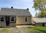 Foreclosed Home en BELLVIEW RD, Branford, CT - 06405