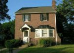 Foreclosed Home en JACKSON AVE, Lansdowne, PA - 19050