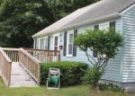 Foreclosed Home en NEW LONDON TPKE, Norwich, CT - 06360