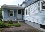 Foreclosed Home en S WASHINGTON ST, Plainville, CT - 06062