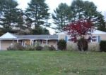 Foreclosed Home en SURREY DR, Northford, CT - 06472