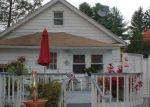 Foreclosed Home en BELLEWOOD AVE, Waterbury, CT - 06705